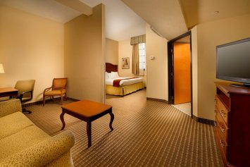 Holiday Inn Express San Antonio North Riverwalk Area