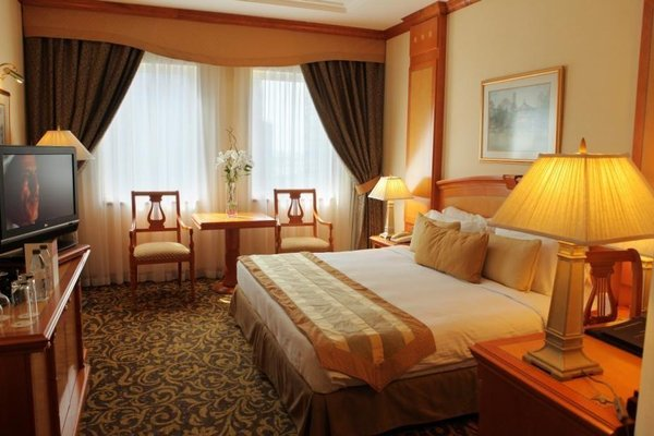Carlton Palace Hotel (Formerly Metropolitan Palace) - фото 2