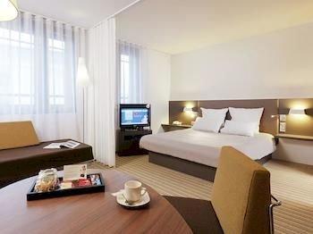 Novotel Suites Paris Rueil Malmaison - фото 1