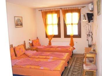 Family Hotel Varusha - фото 2