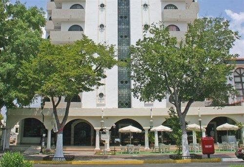 Hotel Montejo Palace - фото 0