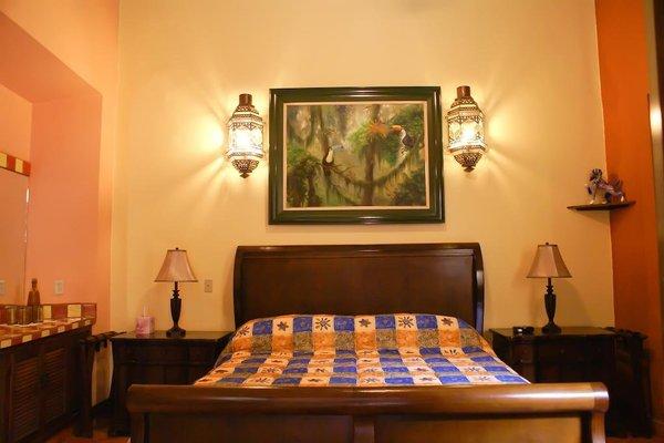 Casa Alebrijes Gay Hotel - фото 1