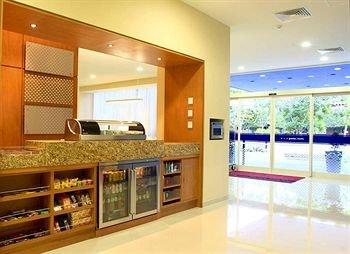 Hampton Inn by Hilton/ GuadalajaraExpo - фото 12