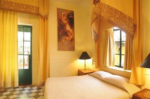 Trocadero Suites - фото 4