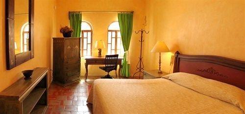 Trocadero Suites - фото 5