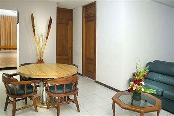 Hotel Suites Campestre - фото 13