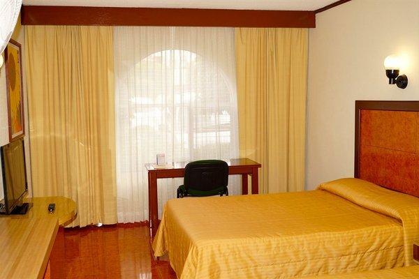 Hotel & Suites Villa del Sol - фото 1