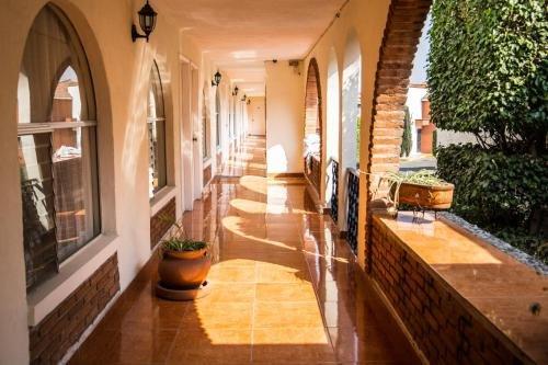 Hotel & Suites Villa del Sol - фото 16