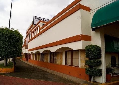 Hotel & Suites Villa del Sol - фото 22