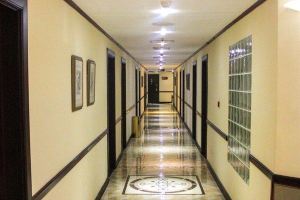 Mayfair Hotel - фото 15