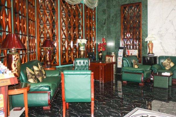 Mayfair Hotel - фото 4