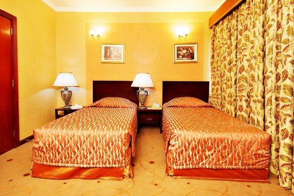 Hotel Versailles - фото 1