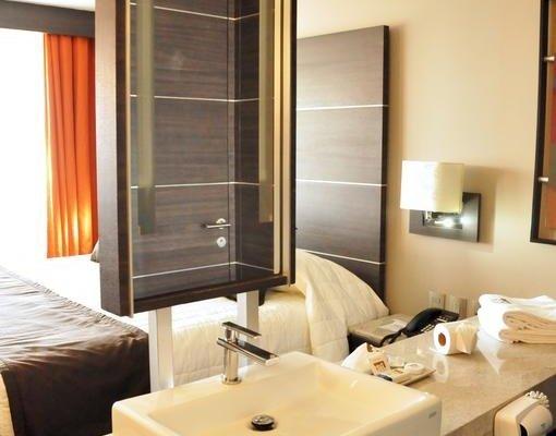 Hotel Real Alameda de Queretaro - фото 3