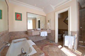 The Villas by Villa Padierna Hotel - фото 8