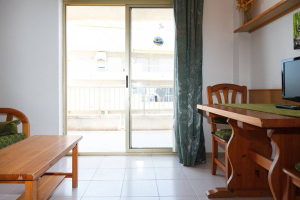 UHC Salou Pacific Apartments - фото 9