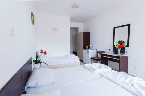 Отель Plovdiv - фото 2
