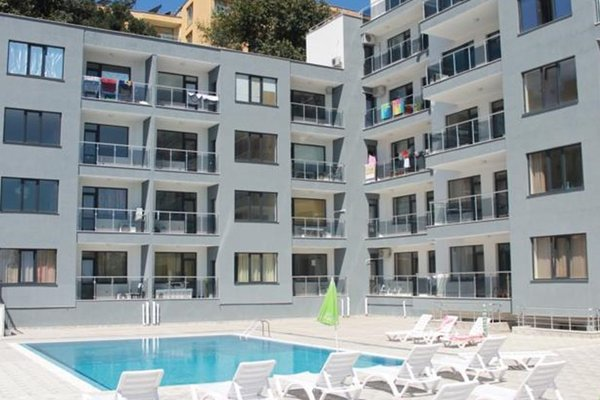 Private Apartment in Yalta Complex - фото 23