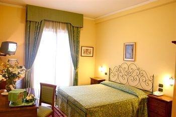 Hotel Primavera Dell'Etna - фото 1