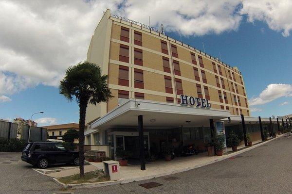 Benny Hotel - фото 22