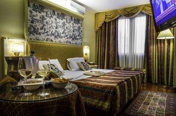 Hotel La Bussola - фото 1