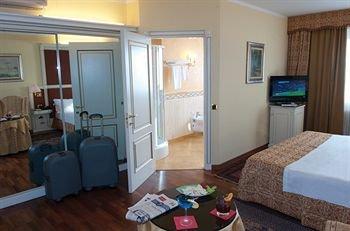 Hotel La Bussola - фото 4