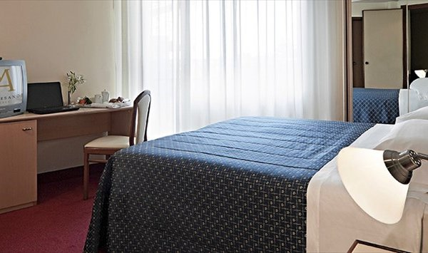 Hotel Palace Masoanri's - фото 1