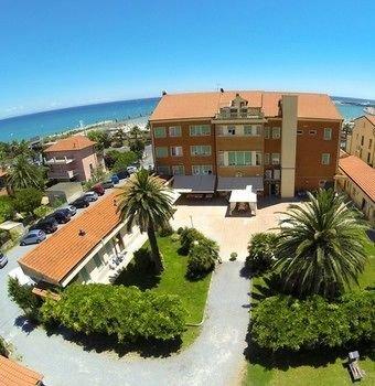 Отель «Casa Marina», Лоано