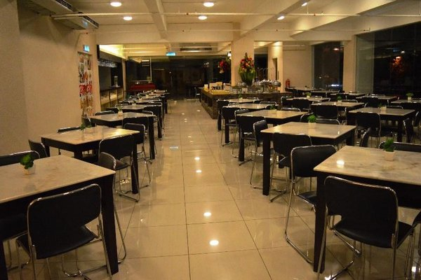 MY Hotel - фото 10