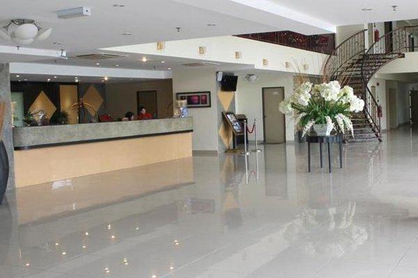 MY Hotel - фото 11