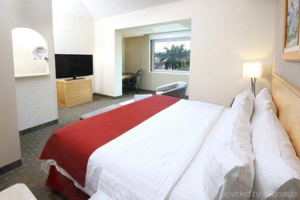 Holiday Inn Cuernavaca - фото 1