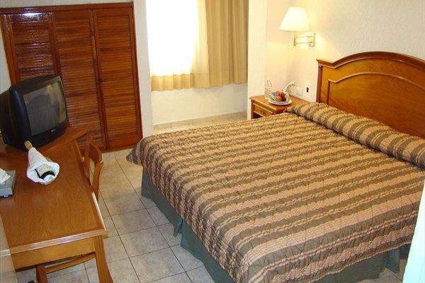 Hotel & Suites Real del Lago - фото 3