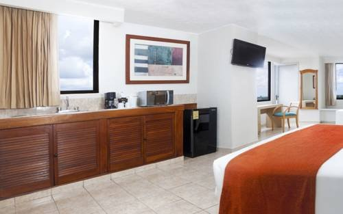 Hotel & Suites Real del Lago - фото 5