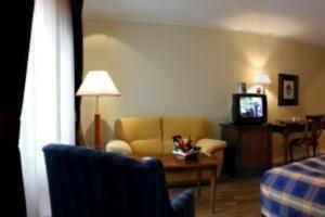 Britannia Hotel - фото 4