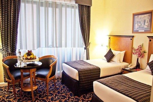 Regal Plaza Hotel - фото 1