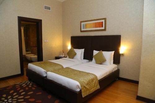 Tulip Creek Hotel Apartments - фото 2