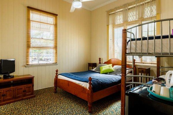 Bowen Terrace Accommodation - фото 3