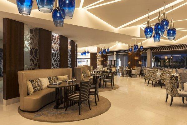 Sheraton Dubai Creek Hotel & Towers - фото 12