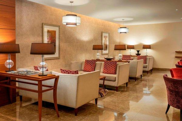 Sheraton Dubai Creek Hotel & Towers - фото 14