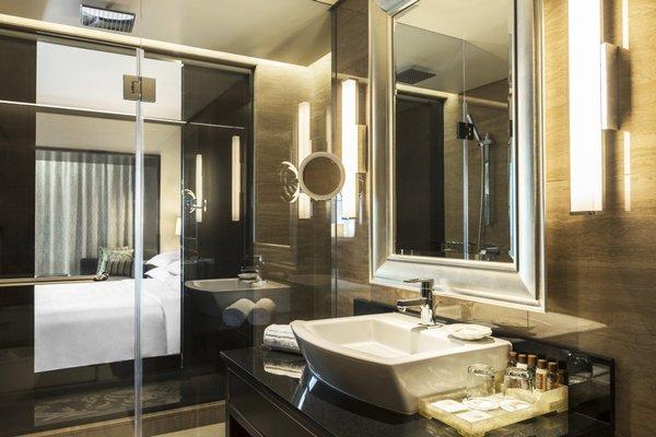 Sheraton Dubai Creek Hotel & Towers - фото 7