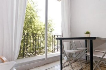 Cozy Apartment near Sagrada Familia