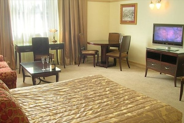 Royal Albert Hotel - фото 6