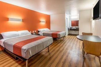 Photo of Motel 6-Arlington, TX - UTA