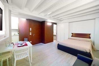 Vicolo Zini Apartments - фото 16