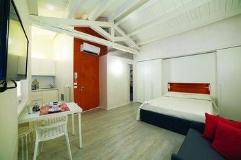 Vicolo Zini Apartments - фото 1