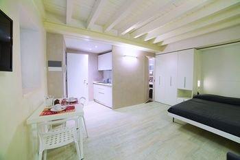 Vicolo Zini Apartments - фото 2
