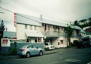 747 Motel & Car Hire