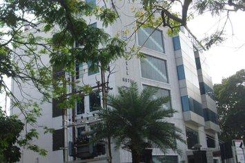 Esthell Hotel