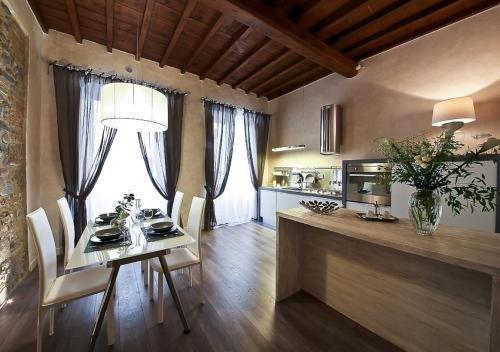 Apartments Florence - Giglio santa trinita - фото 24