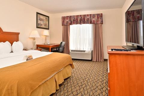 Photo of MainStay Suites Cedar Rapids