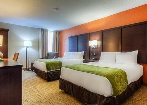 Photo of Comfort Inn & Suites Evansville Airport
